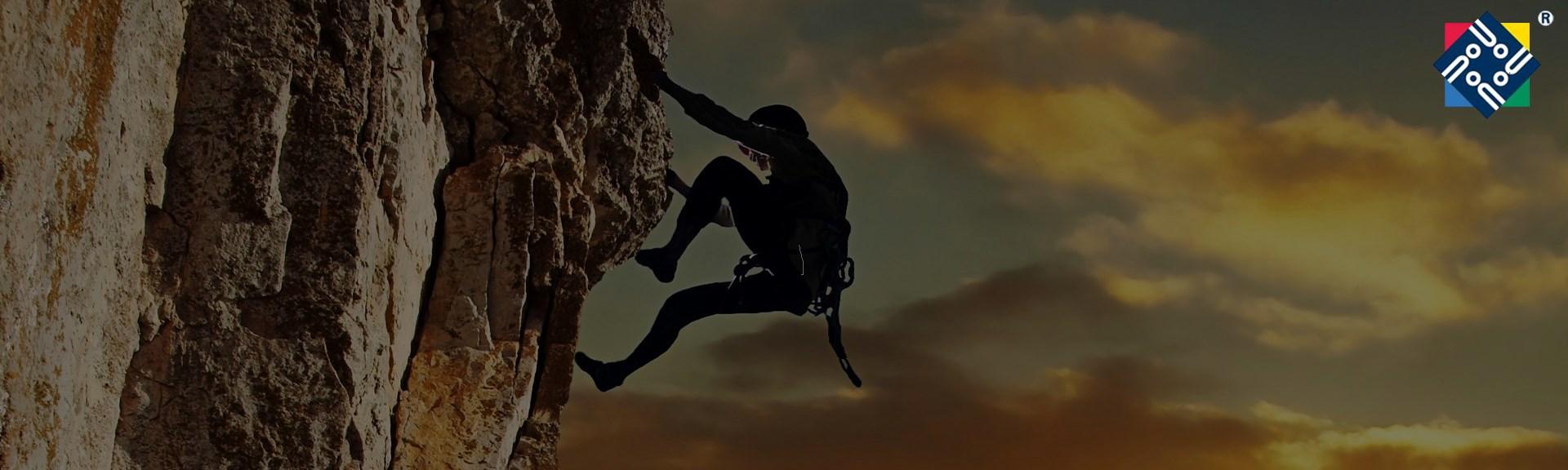 climbing7-1920-x-576